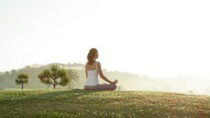 229004306-posizione-di-loto-posizione-di-yoga-meditazione-mallorca